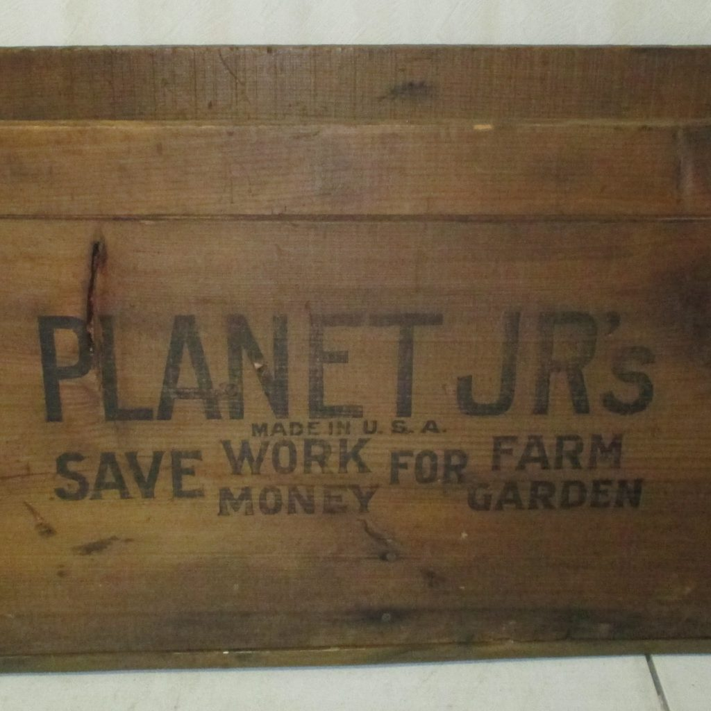 210: Planet JR's Wood Box
