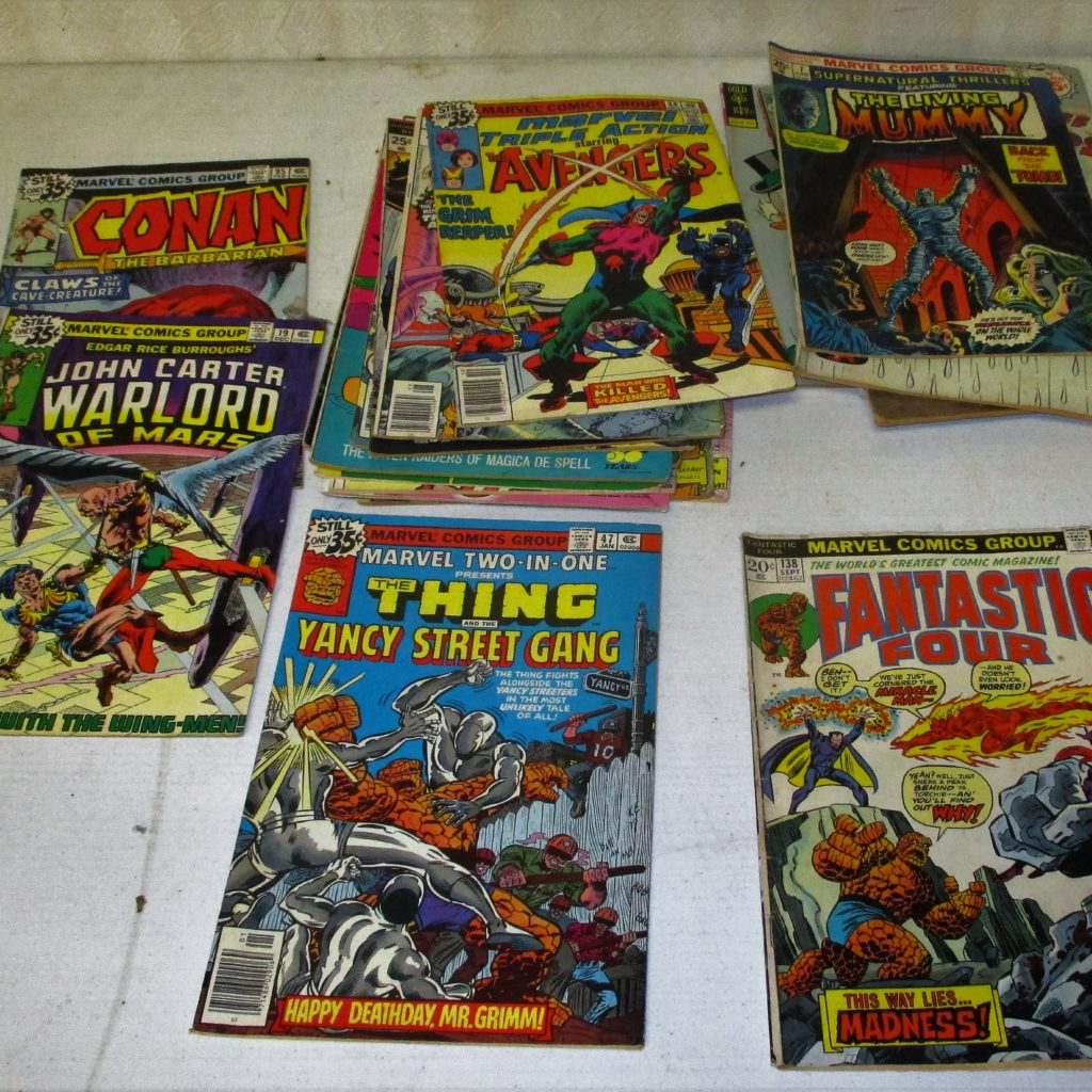 105: (25) Comic Books