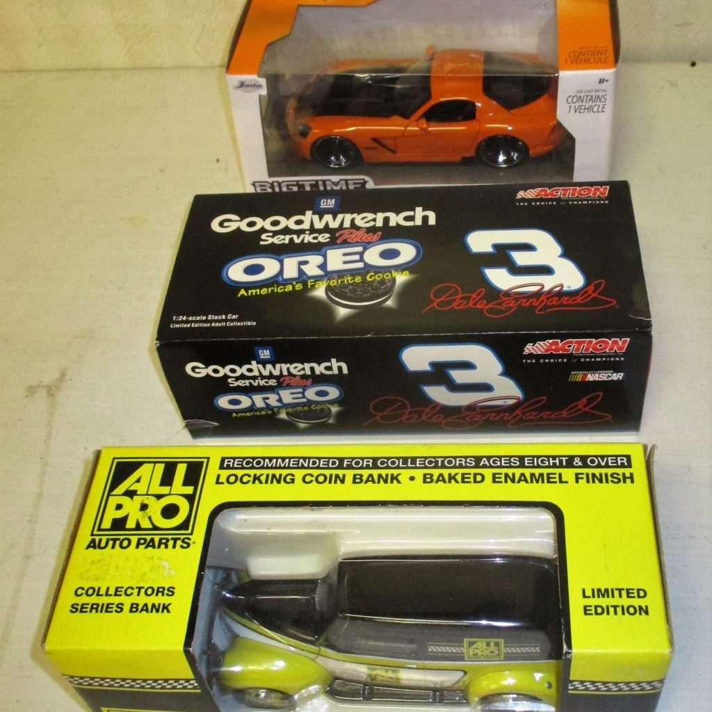 108: (3) Die-cast Cars