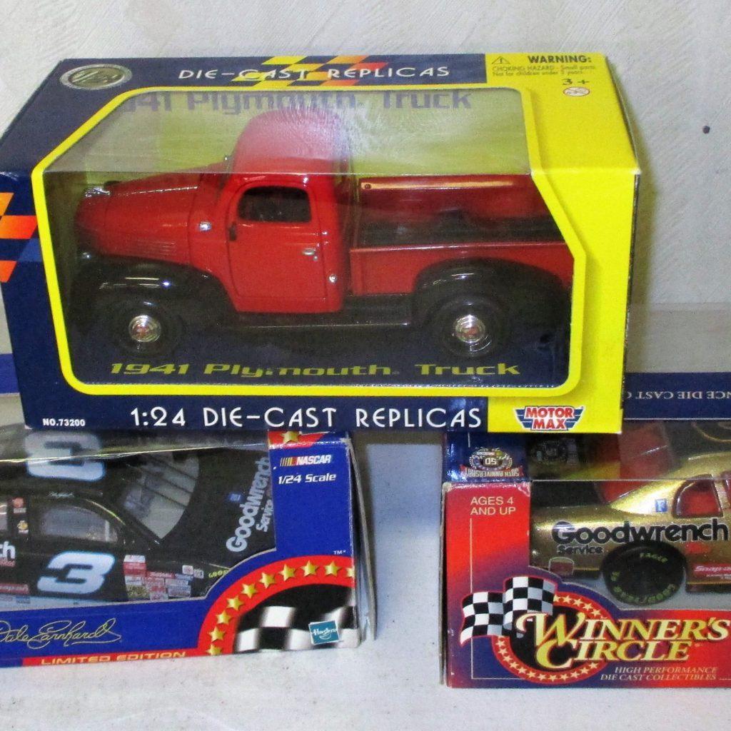 131: (3) Diecast Cars