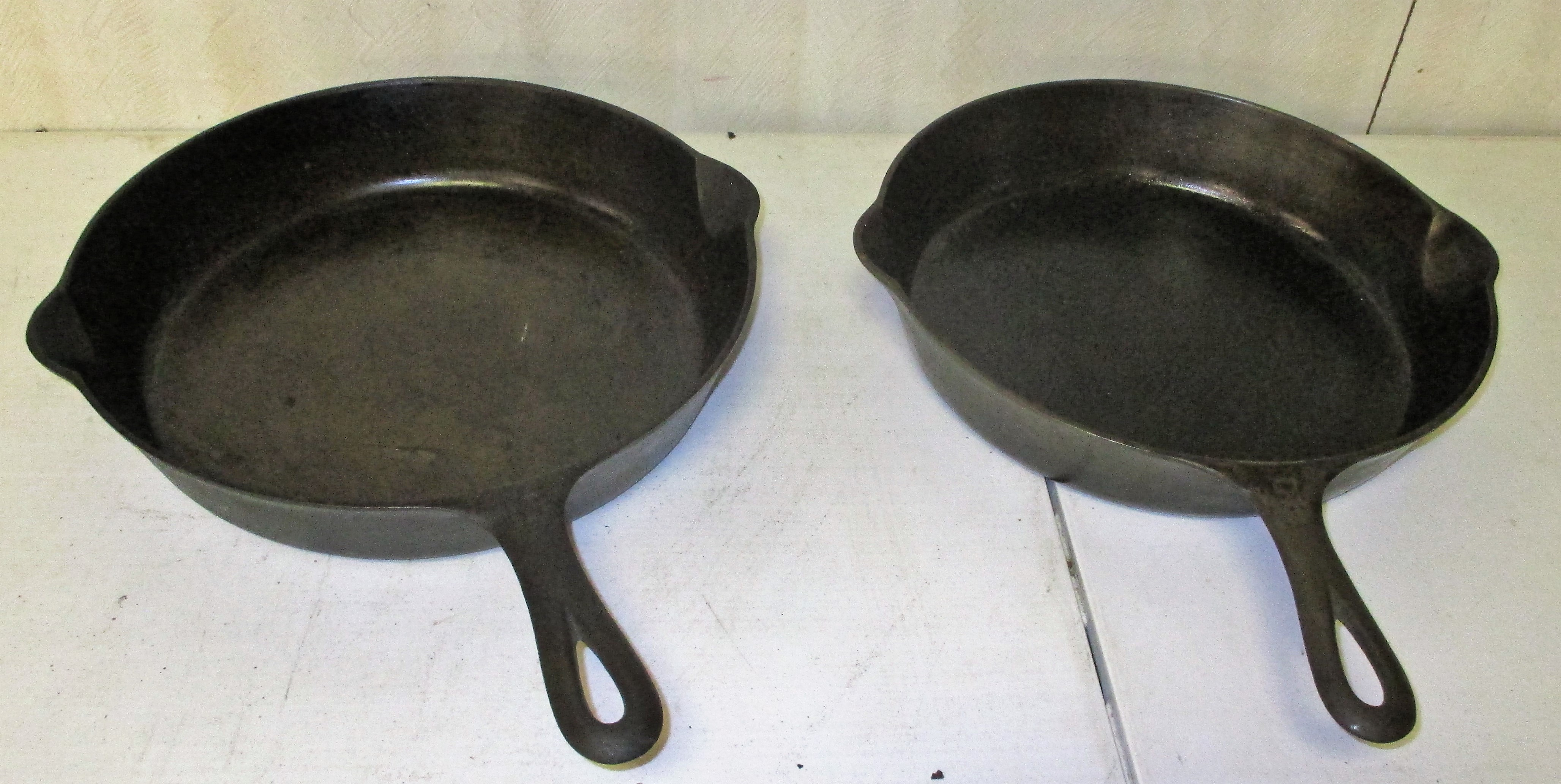 143: #9 And #10 Griswold Skillets