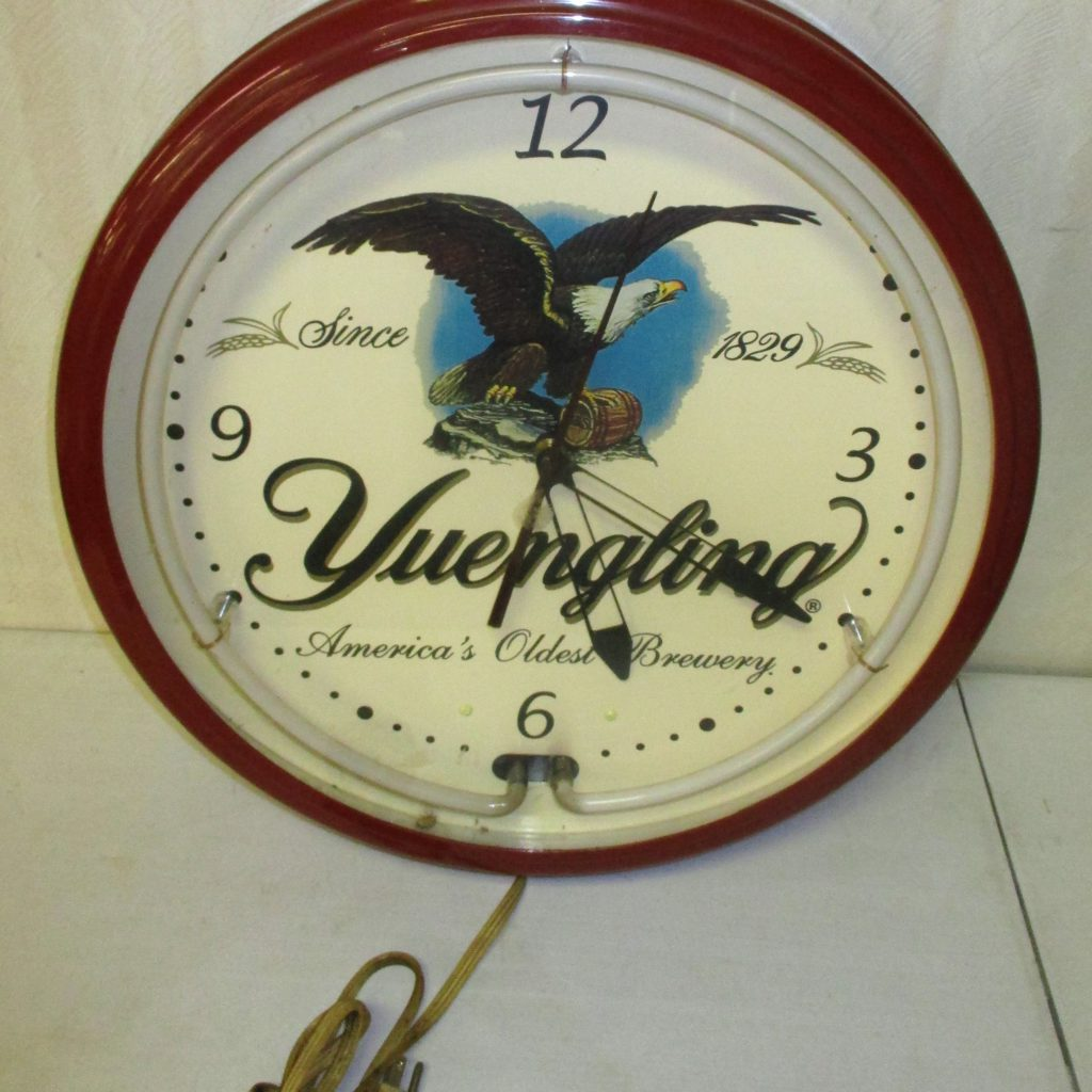 17: Neon Clock