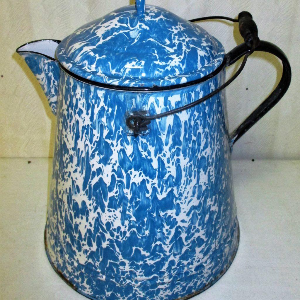 19: Graniteware (large)