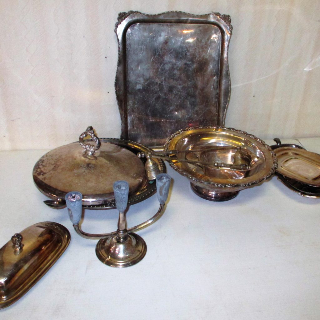 22: Silver Plate