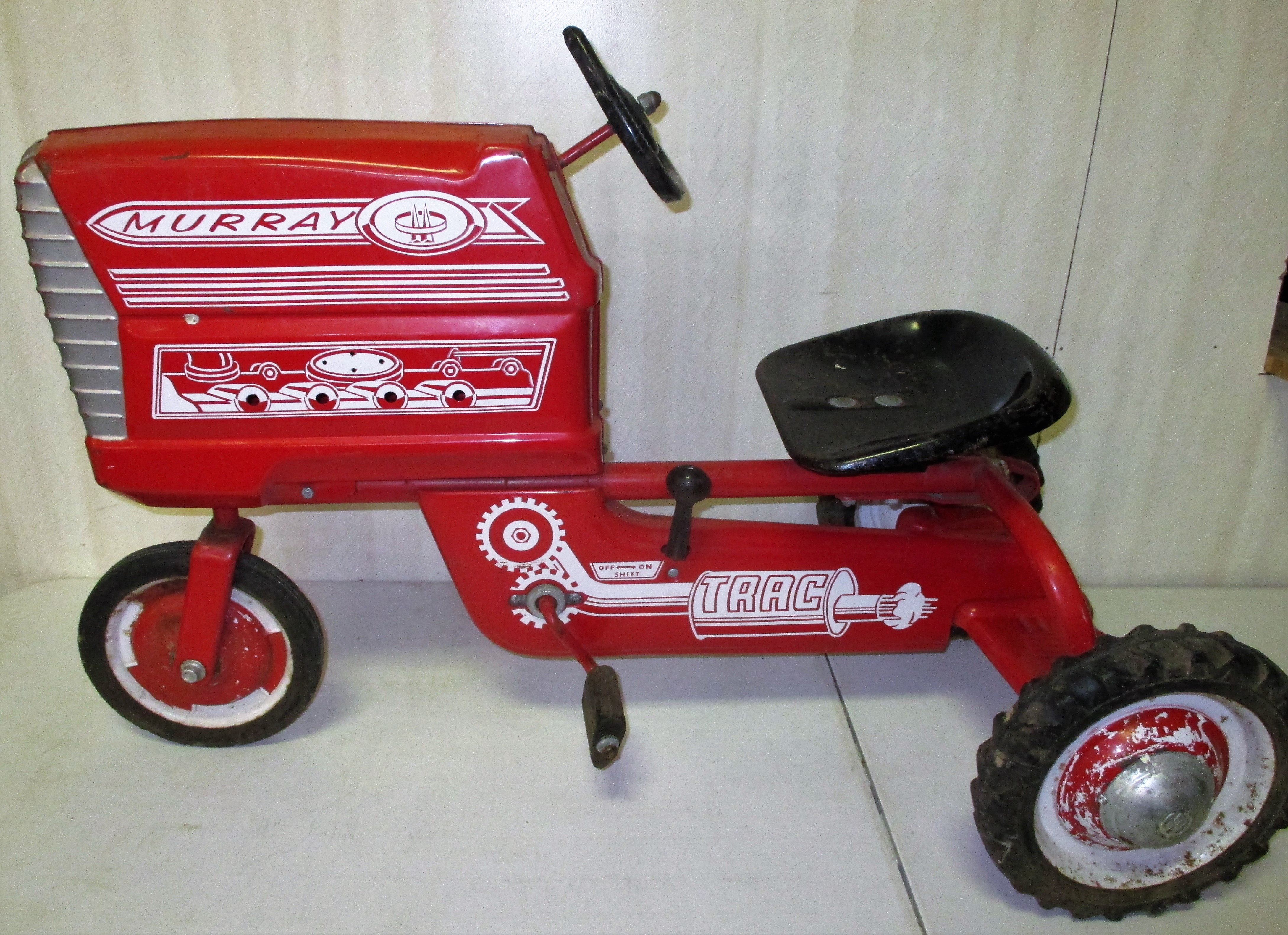 95: Murray Pedal Tractor