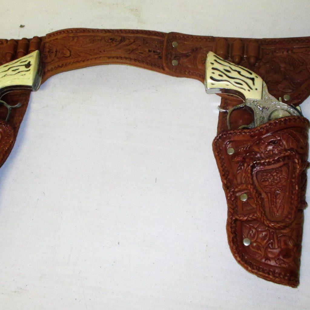 9: Cap Gun Pair