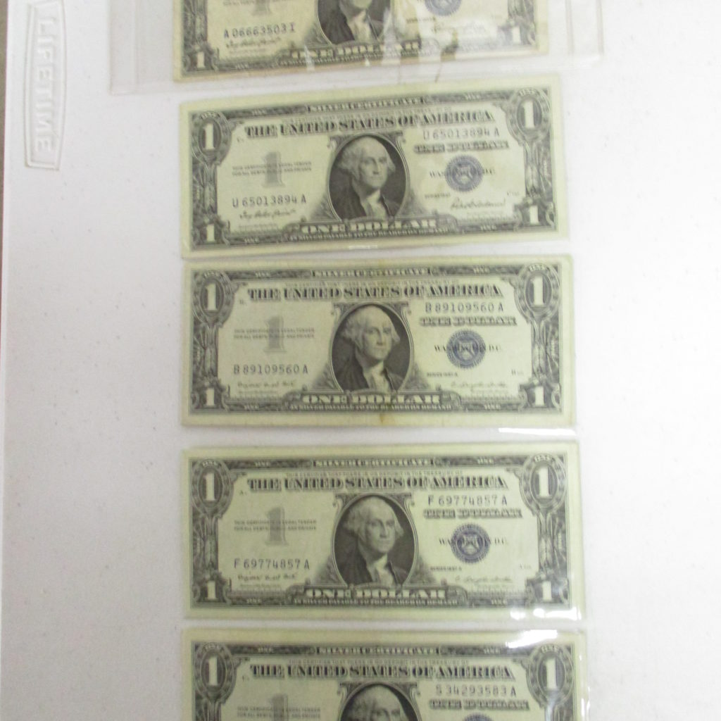 Lot 10: (5) $1 Certificates