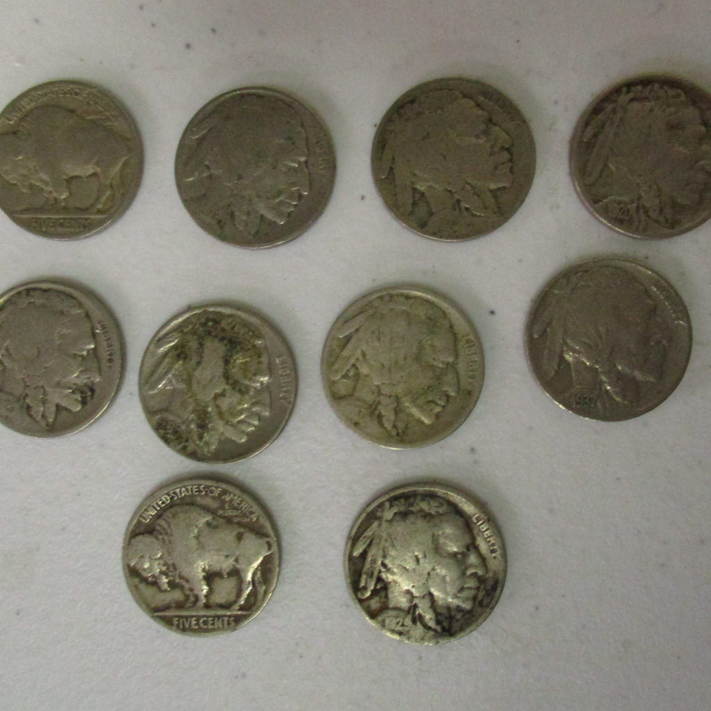 Lot 11: (11) Buffalo Nickels And (1) V Nickel