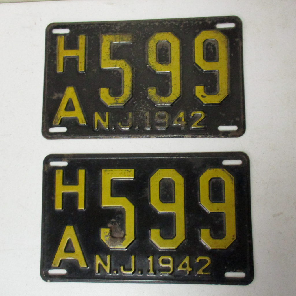 Lot 126: 1942 NJ License Plate Pair