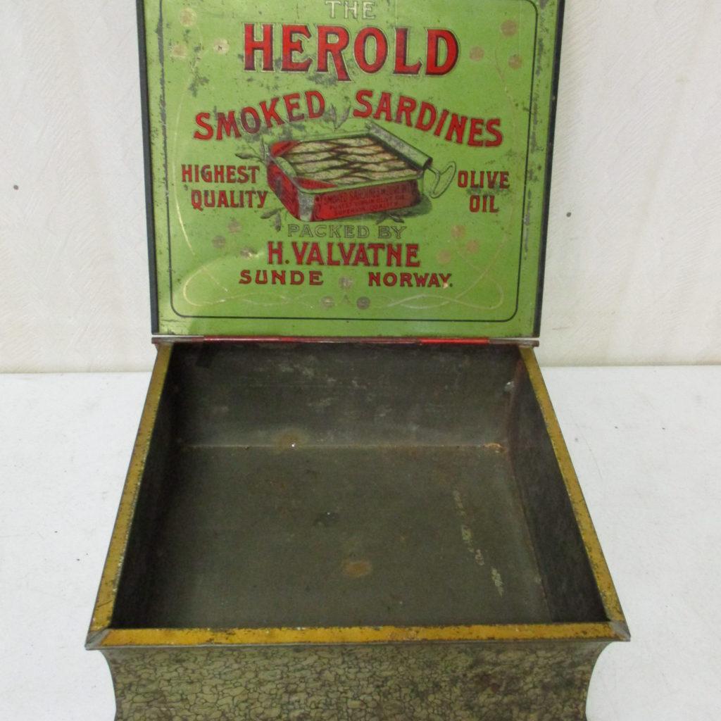 Lot 156: Herold Sardines Tin