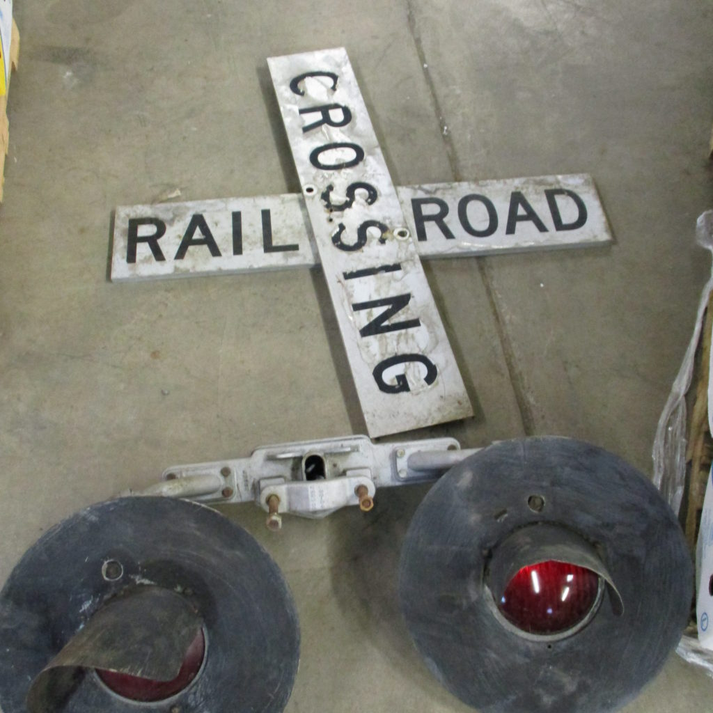 Lot 164: Set Of Railroad Lights And Crossing Signs