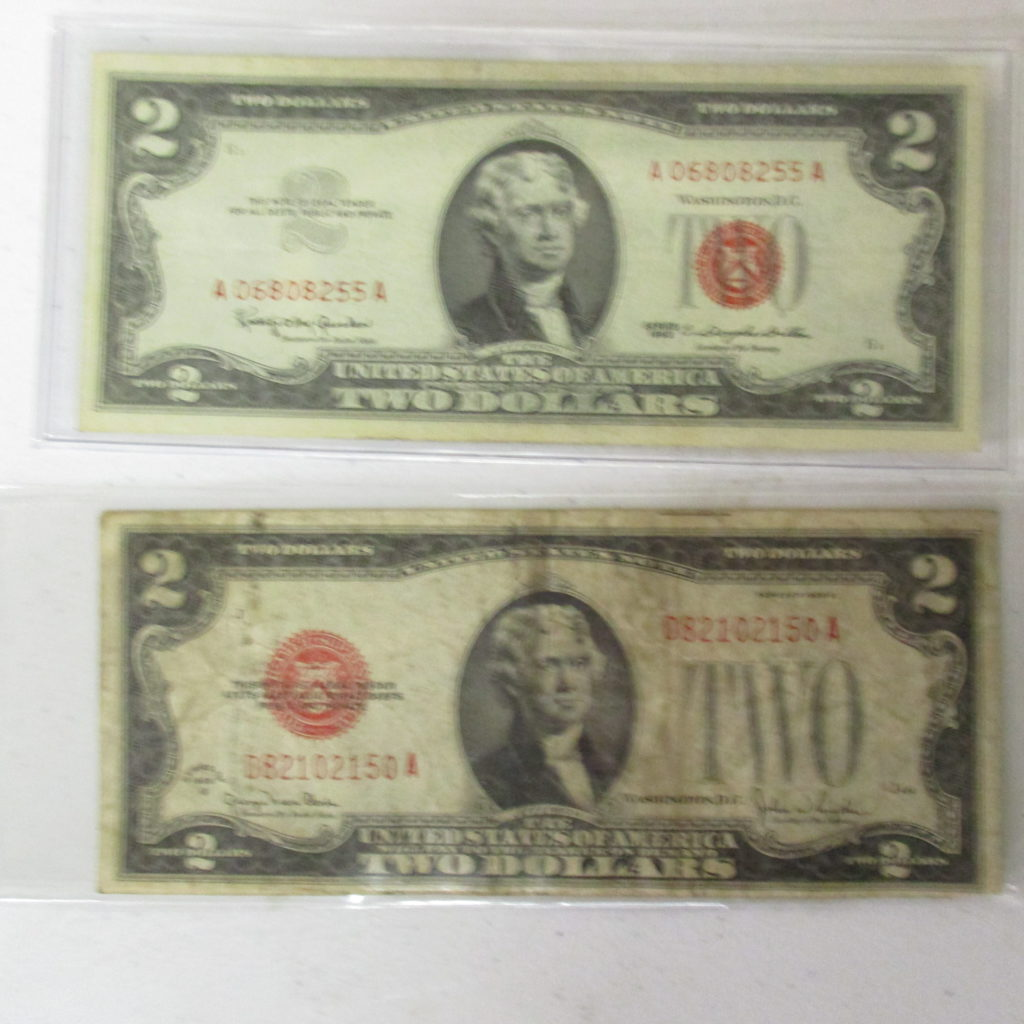 Lot 22: (2) $2 Red Seal Notes