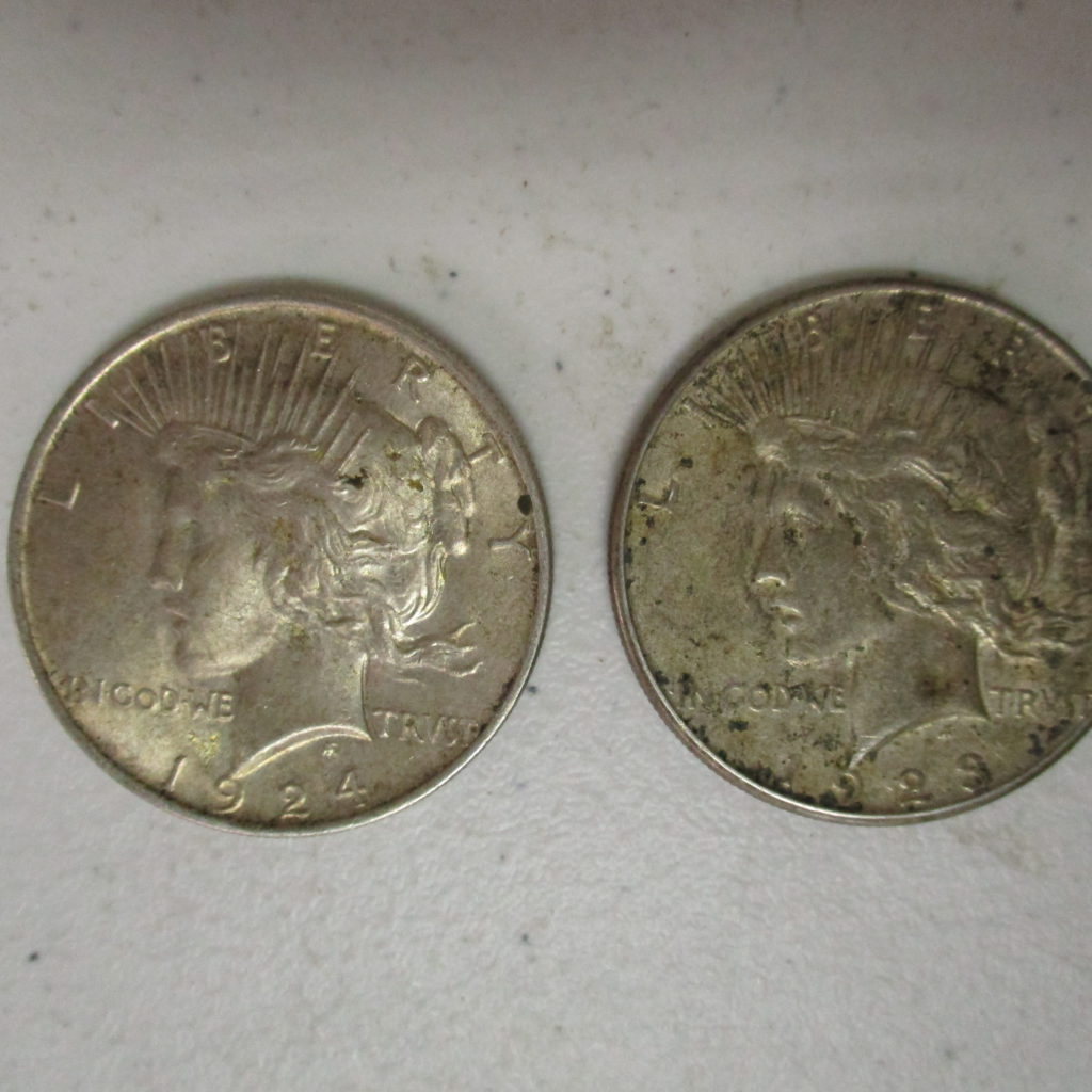 Lot 36: 1923 And 1924 Peace Dollars (by The Piece, Take 2)