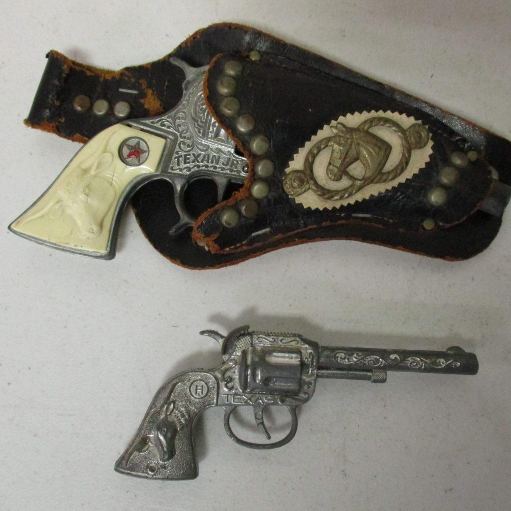 Lot 86: (2) Cap Guns